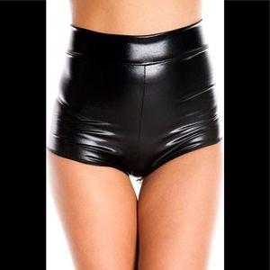 Nihoe Wet Look Elastic Shorts